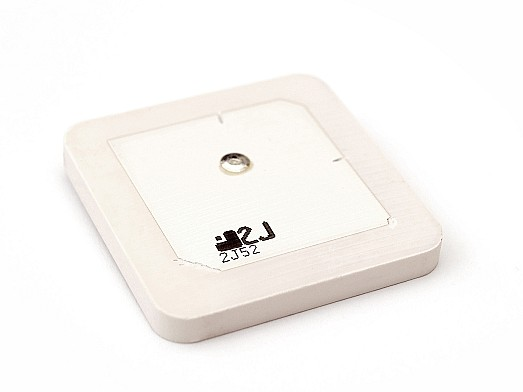 This ceramic patch antenna offers exceptional connectivity in 1616MHz-1627MHz frequencies